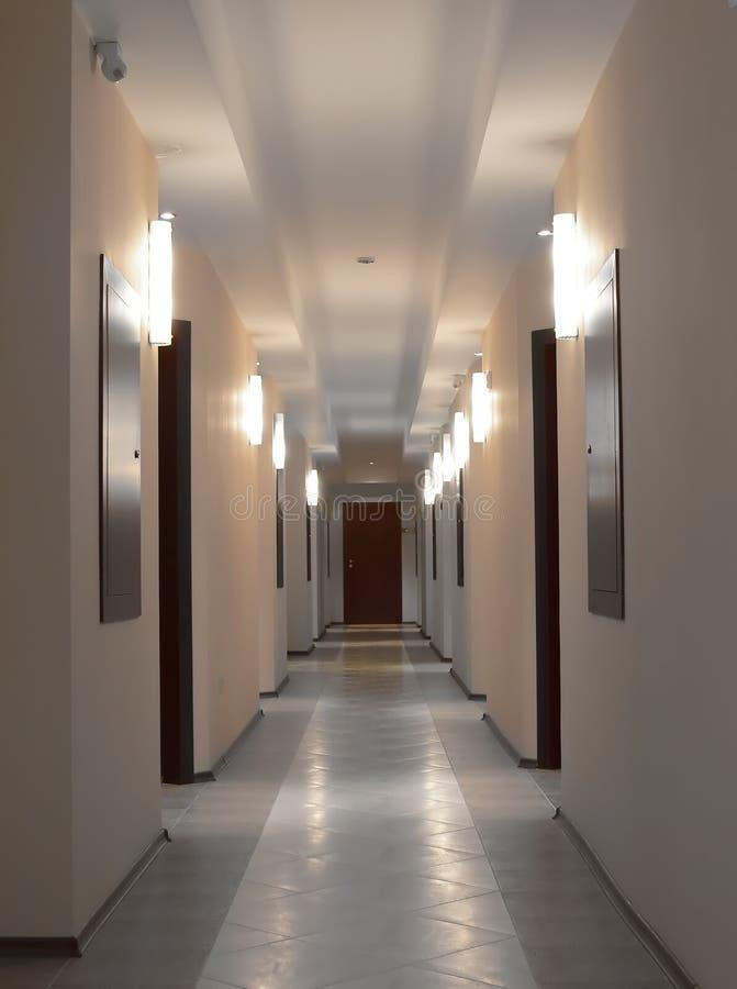 Couloir dans la lumière photographie stock libre de droits