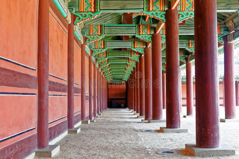 Couloir dans le palais antique coréen photos libres de droits