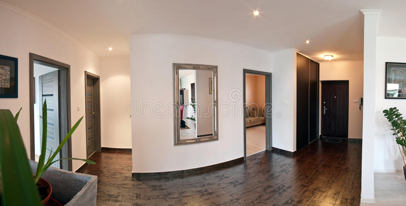 Couloir de maison moderne image stock image du architecte for Miroir noir download