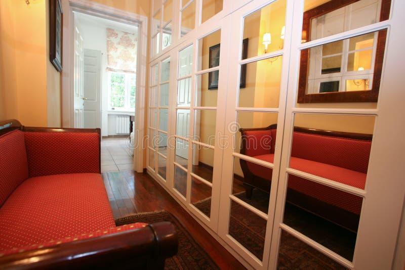 couloir de miroir photo stock image du glace lampes 11289430. Black Bedroom Furniture Sets. Home Design Ideas