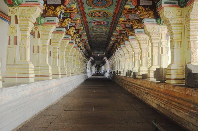 Couloir de temple images stock