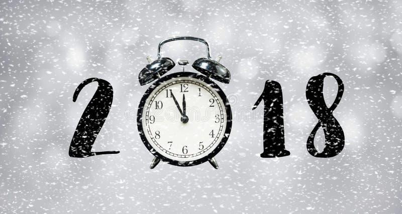 Count-downkonzept des neuen Jahres 2018 mit Stempeluhr und Schneefällen stockfotos