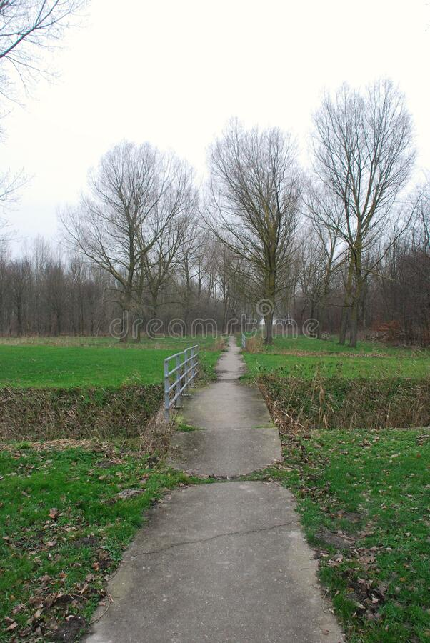 Country Bridge And Path Through Field Free Public Domain Cc0 Image