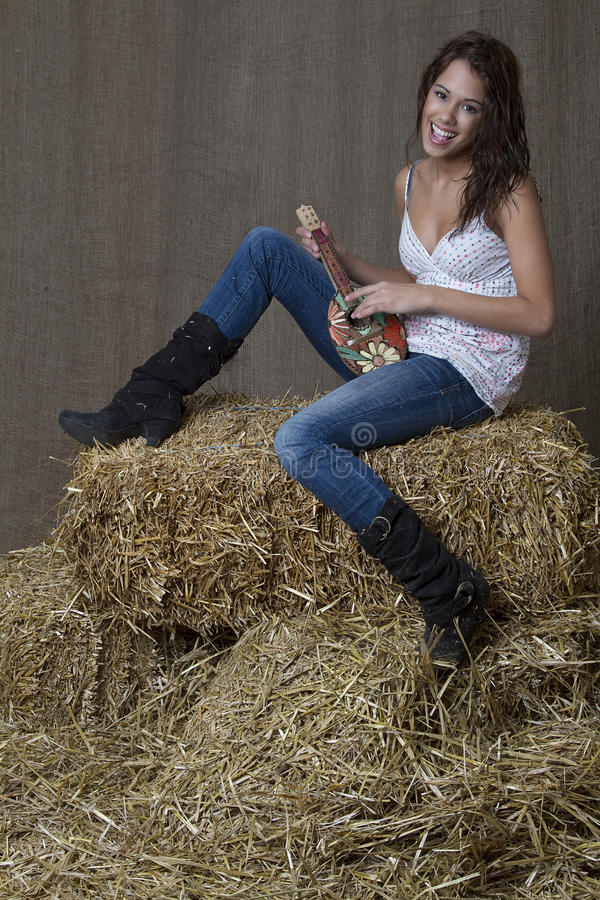 Free Country Musician Girl Royalty Free Stock Images - 17257569