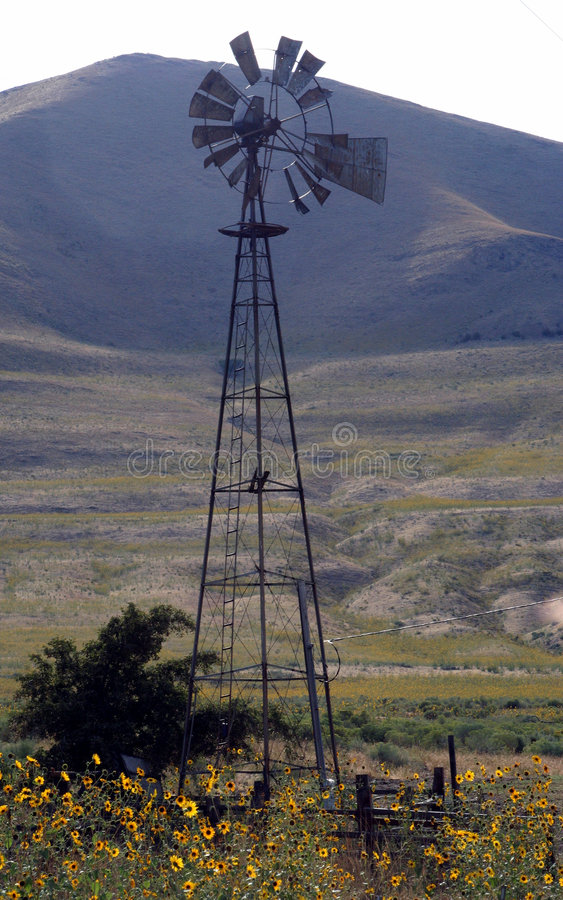 Free Country Windmill Royalty Free Stock Photos - 1217098