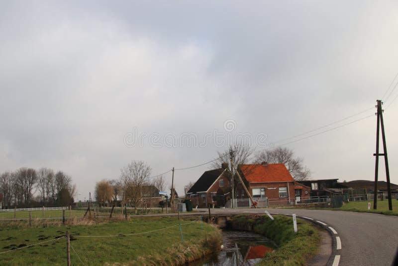 Countryroad entre Moerkapelle et Donderdam appelé par Waddinxveen photographie stock