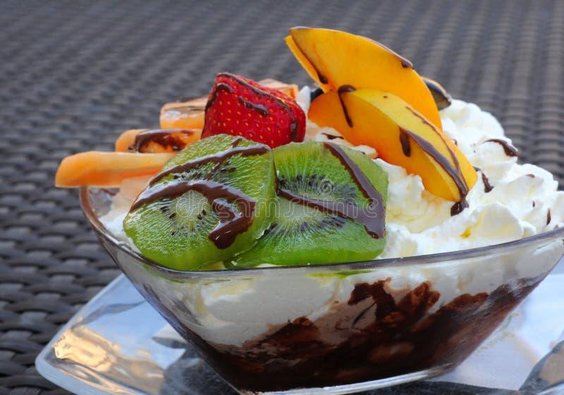 Coup de glace et de fruit photo stock image du doux - Composition coupe de glace ...