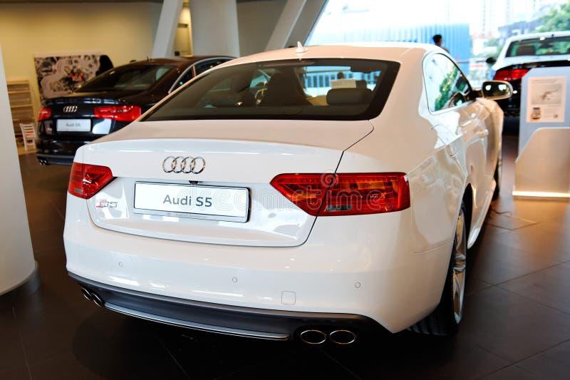 Coupé di Audi S5 su visualizzazione al centro Singapore di Audi immagine stock libera da diritti