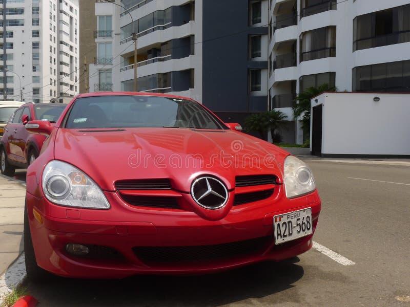 Coupé Mercedes-Benzs SLK 350 in Miraflores, Lima stockfotografie