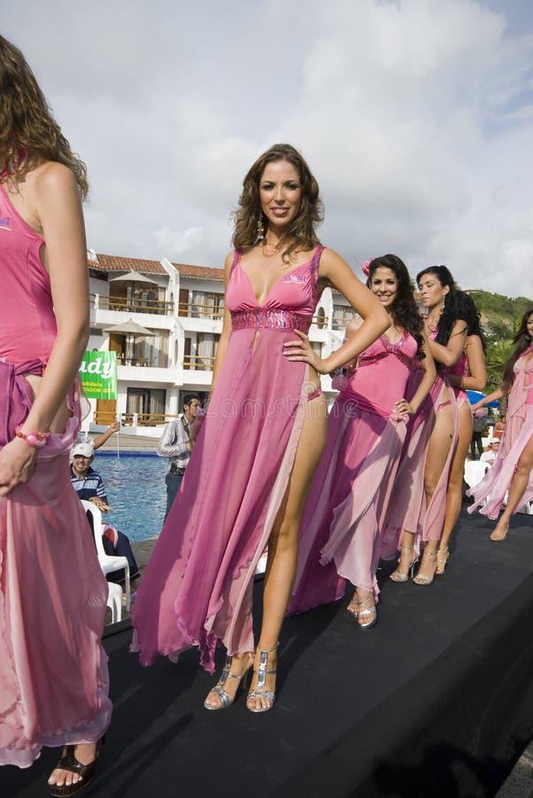 Coup manqué Equateur de contestants photos stock
