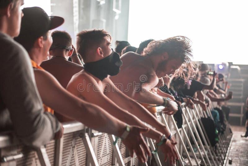 Coup principal pendant un concert photos stock