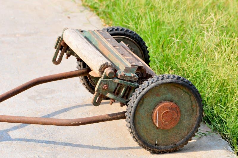Coupeur d'herbe photo libre de droits
