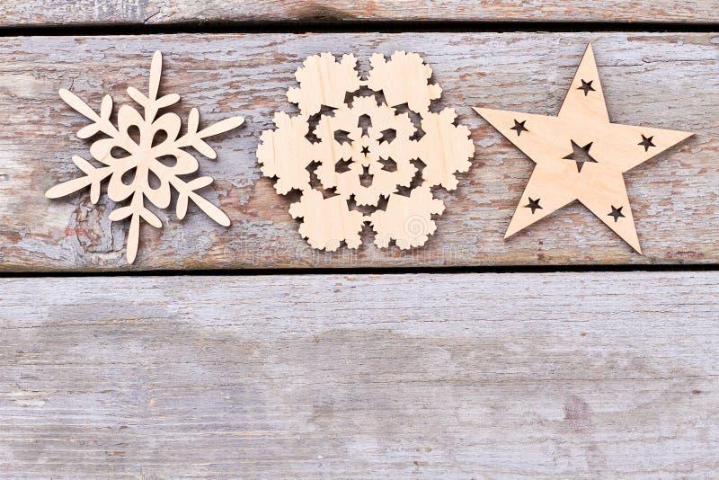 Coupez les chiffres en bois de décoration de Noël photographie stock libre de droits
