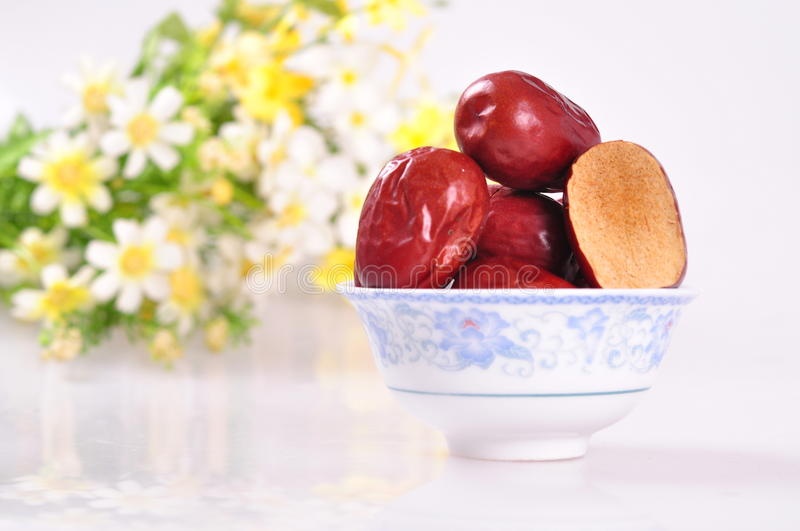 Coupez les jujubes surface-rouges image stock
