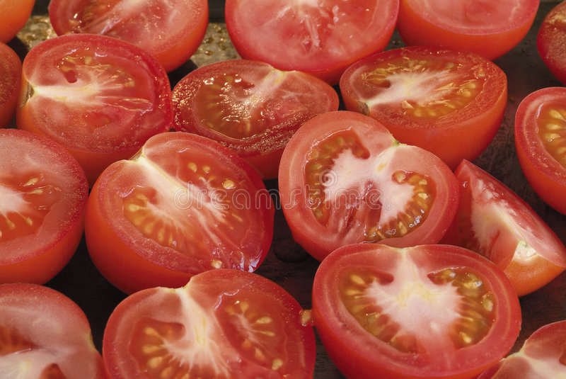 Coupez les tomates image libre de droits