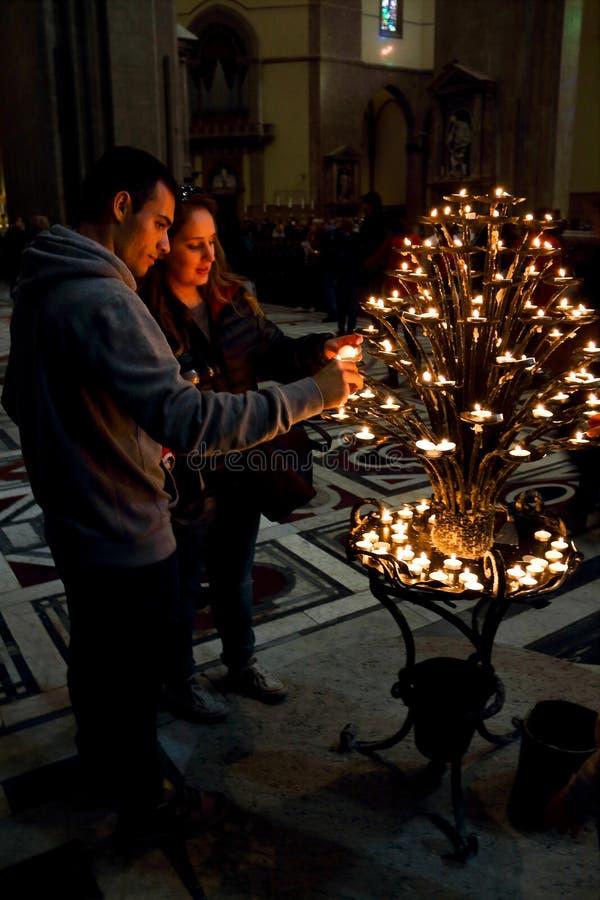 The couple of Cattedrale di Santa Maria del Fiore royalty free stock photography