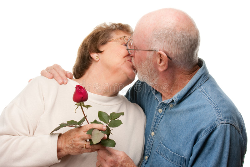 couple happy kissing red rose senior στοκ φωτογραφία με δικαίωμα ελεύθερης χρήσης