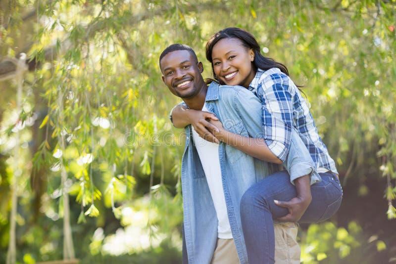 couple happy posing together στοκ φωτογραφίες με δικαίωμα ελεύθερης χρήσης