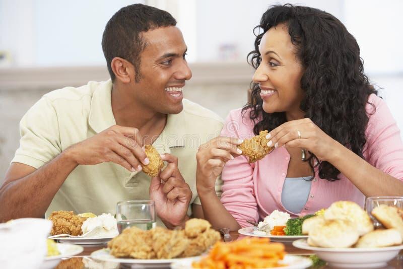couple having home lunch στοκ φωτογραφία