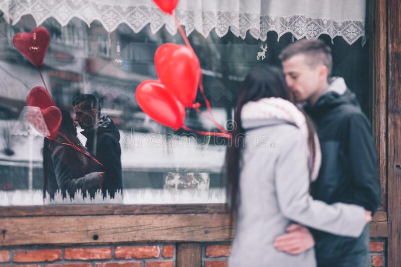Couple With Heart Balloons Free Public Domain Cc0 Image