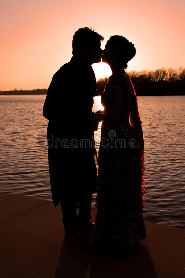 Free Couple Kissing Stock Photos - 13862693