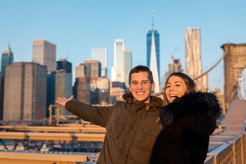 Couple in love on the brooklyn bridge in new york stock photography