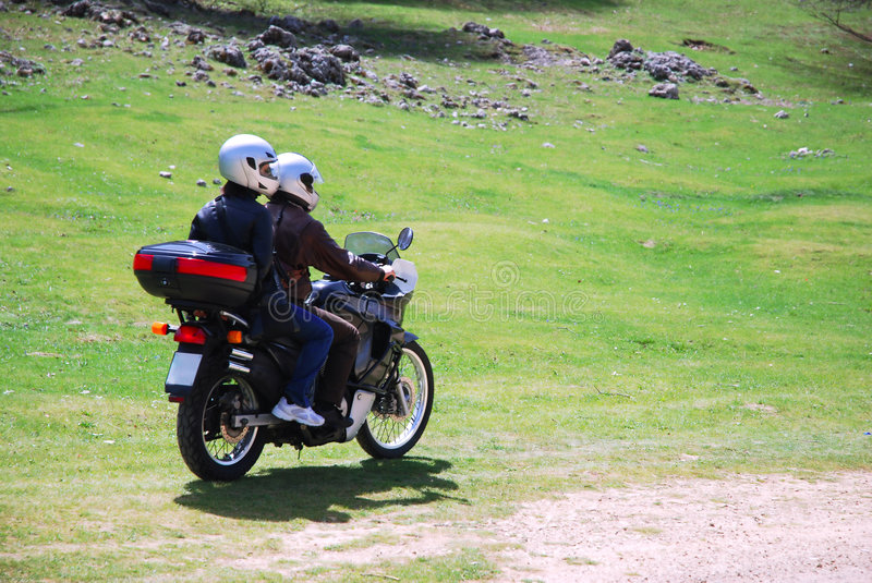 Couple in moto