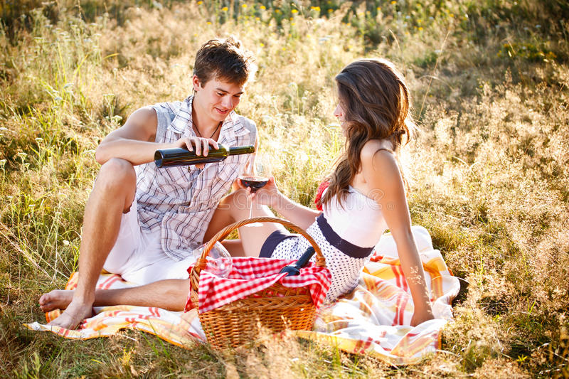 Download Couple In Picnic Royalty Free Stock Photos - Image: 25946678