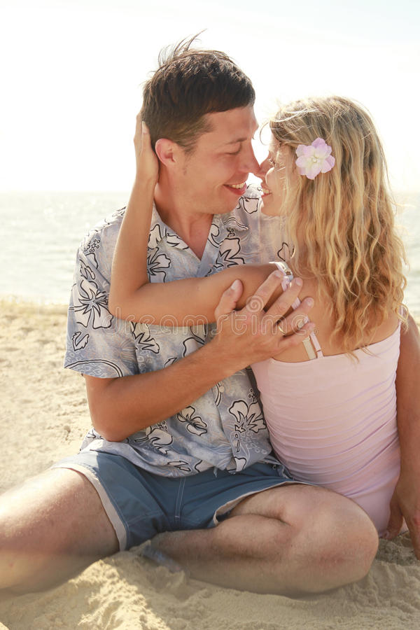 Download Couple  On The Shore Of The Sea Stock Image - Image: 32065901