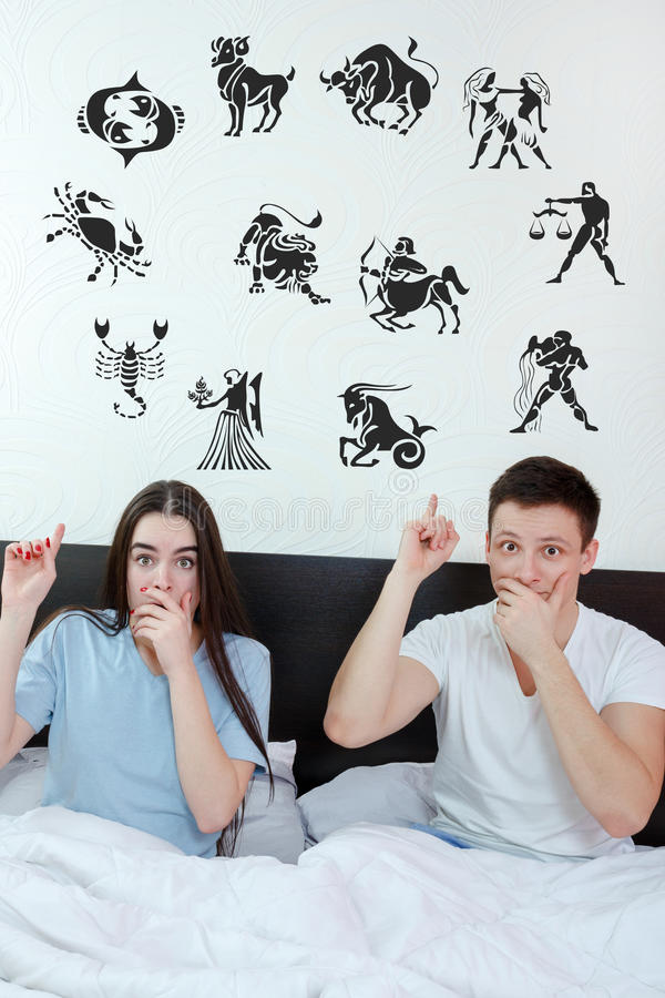 Free Couple Surrounded Showing Up At Horoscope Zodiac 12 Signs Royalty Free Stock Image - 51882966