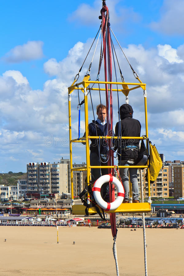 Free Couple To Bungee Jump Stock Photography - 71495662