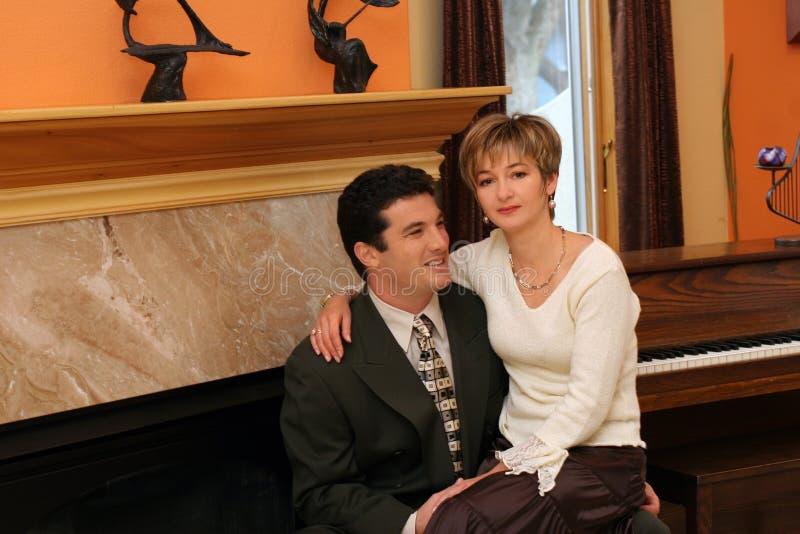 Couples à la maison photographie stock libre de droits
