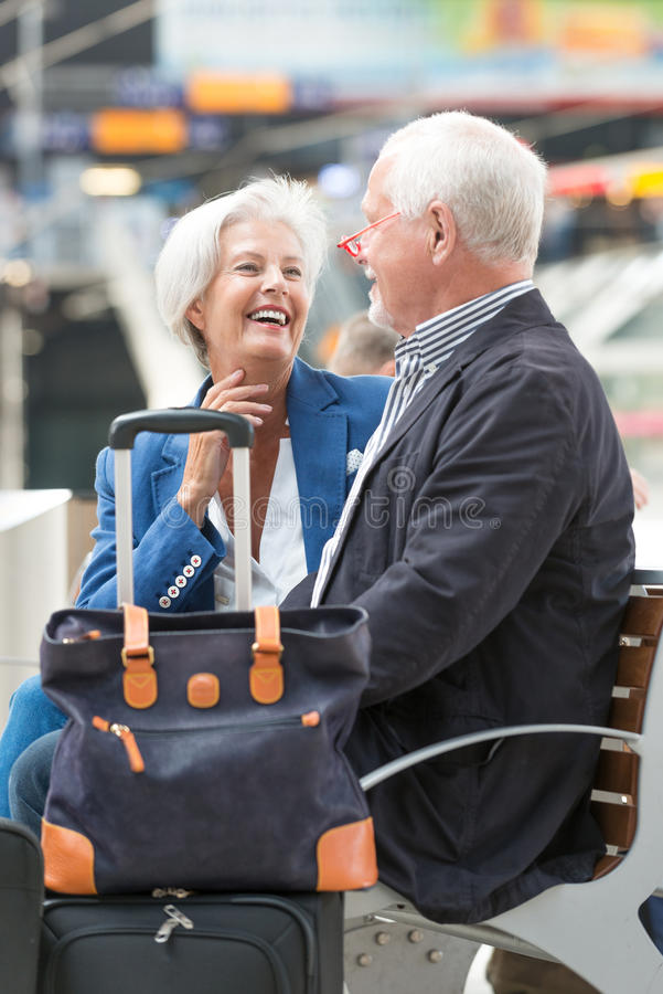 Couples aînés actifs image stock