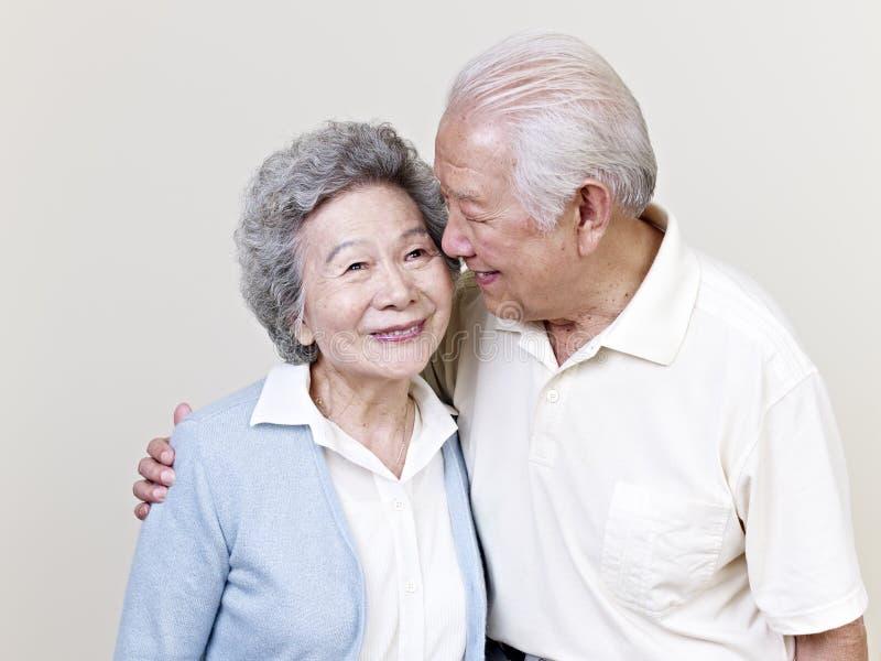 Couples asiatiques supérieurs image libre de droits