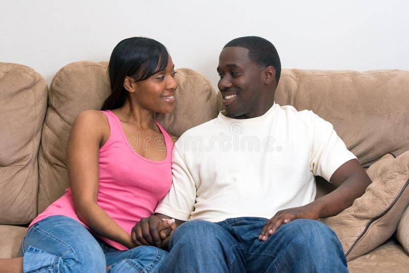 Couples attrayants d'Afro-américain image libre de droits