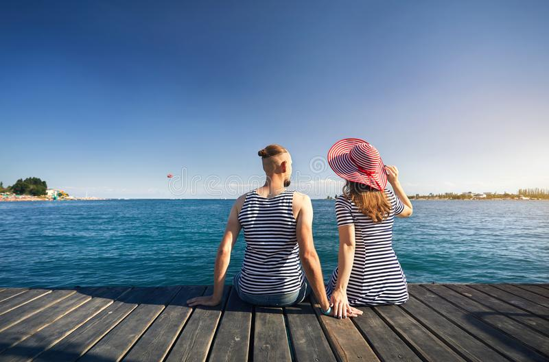 Couples au lac Issyk Kul image libre de droits