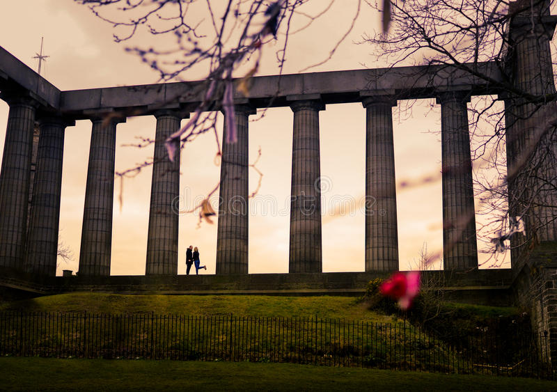 Couples au monument national de l'Ecosse photos libres de droits