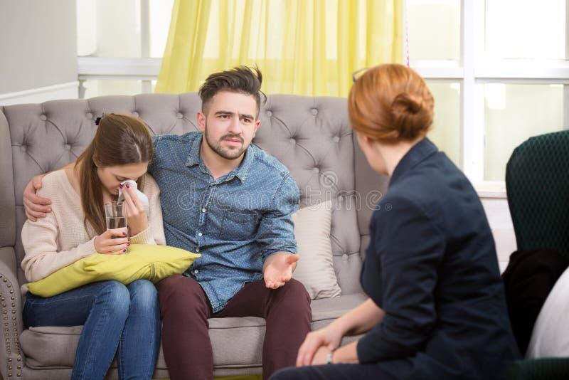 Couples au psychothérapeute photographie stock libre de droits