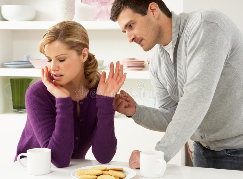 Couples ayant l'argument photo stock
