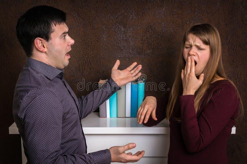 Couples ayant l'argument - concept de querelle de famille image libre de droits