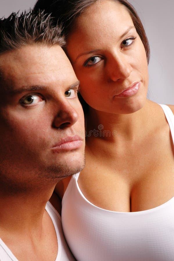 Download Couples dans l'amour image stock. Image du famille, amour - 2127733