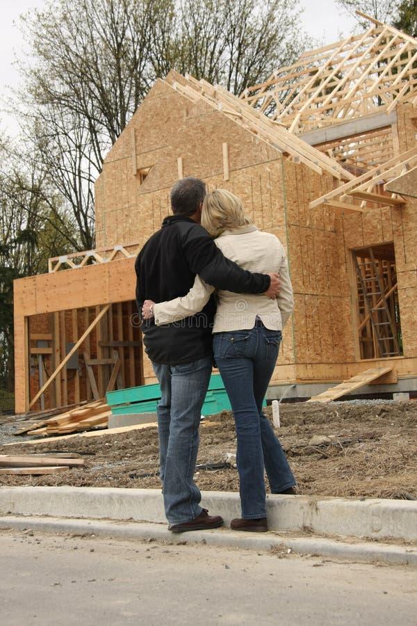 Couples de construction images stock