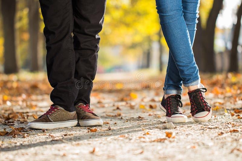 Couples de jambe de femme d'homme images libres de droits