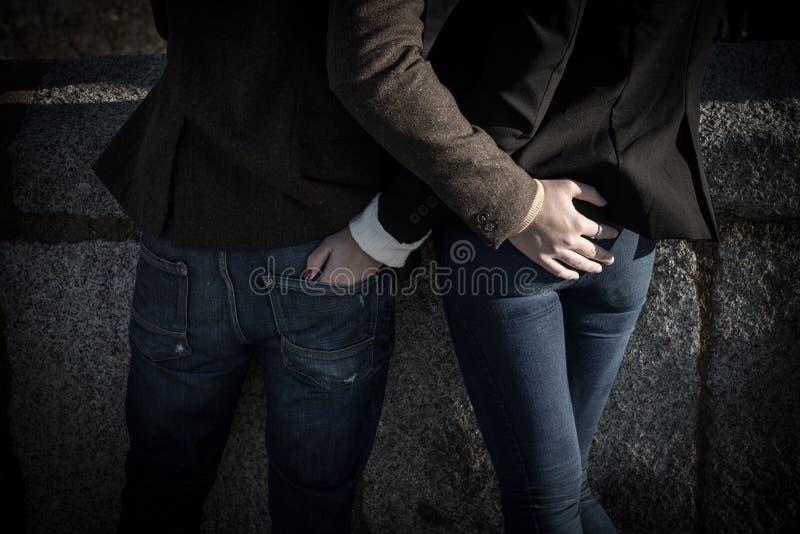 Couples de jeunes de mode photos libres de droits