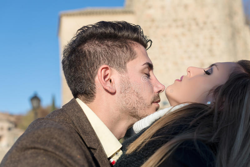 Couples de jeunes de mode photo stock
