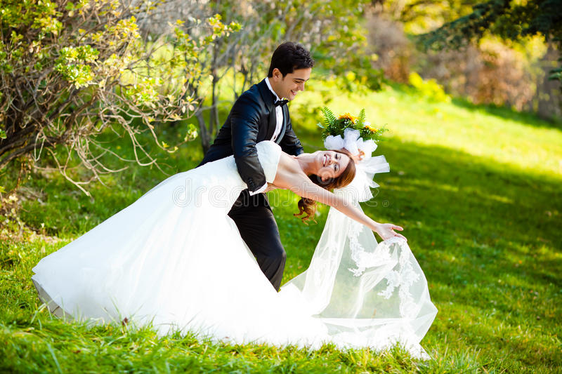 Couples de mariage de danse photo stock