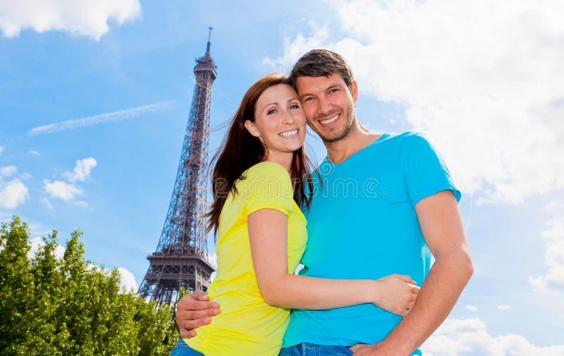 Couples de Paris image stock
