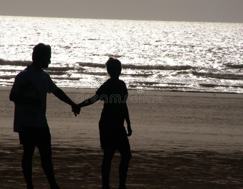 Couples de silhouette image libre de droits