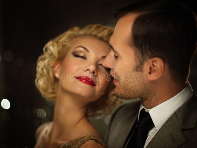 Couples de sourire heureux photo libre de droits