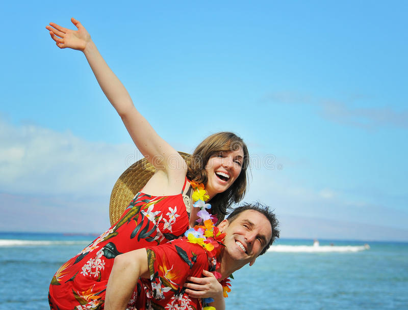Couples de touristes heureux photo libre de droits